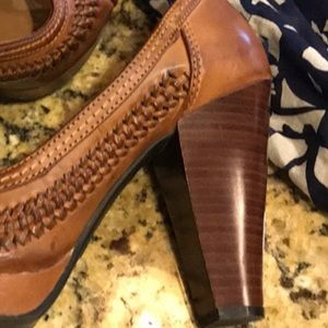 American Eagle 8.5 High Heel Stacked Shoes